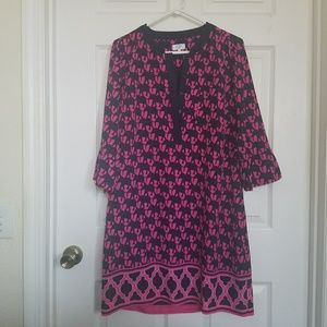 crown & ivy | Navy and Pink Shift Dress